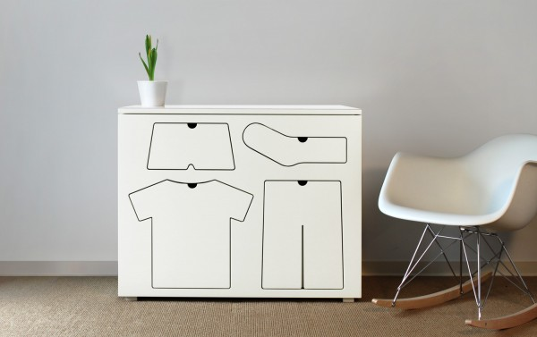 Icon Dresser Peter Bristol Main
