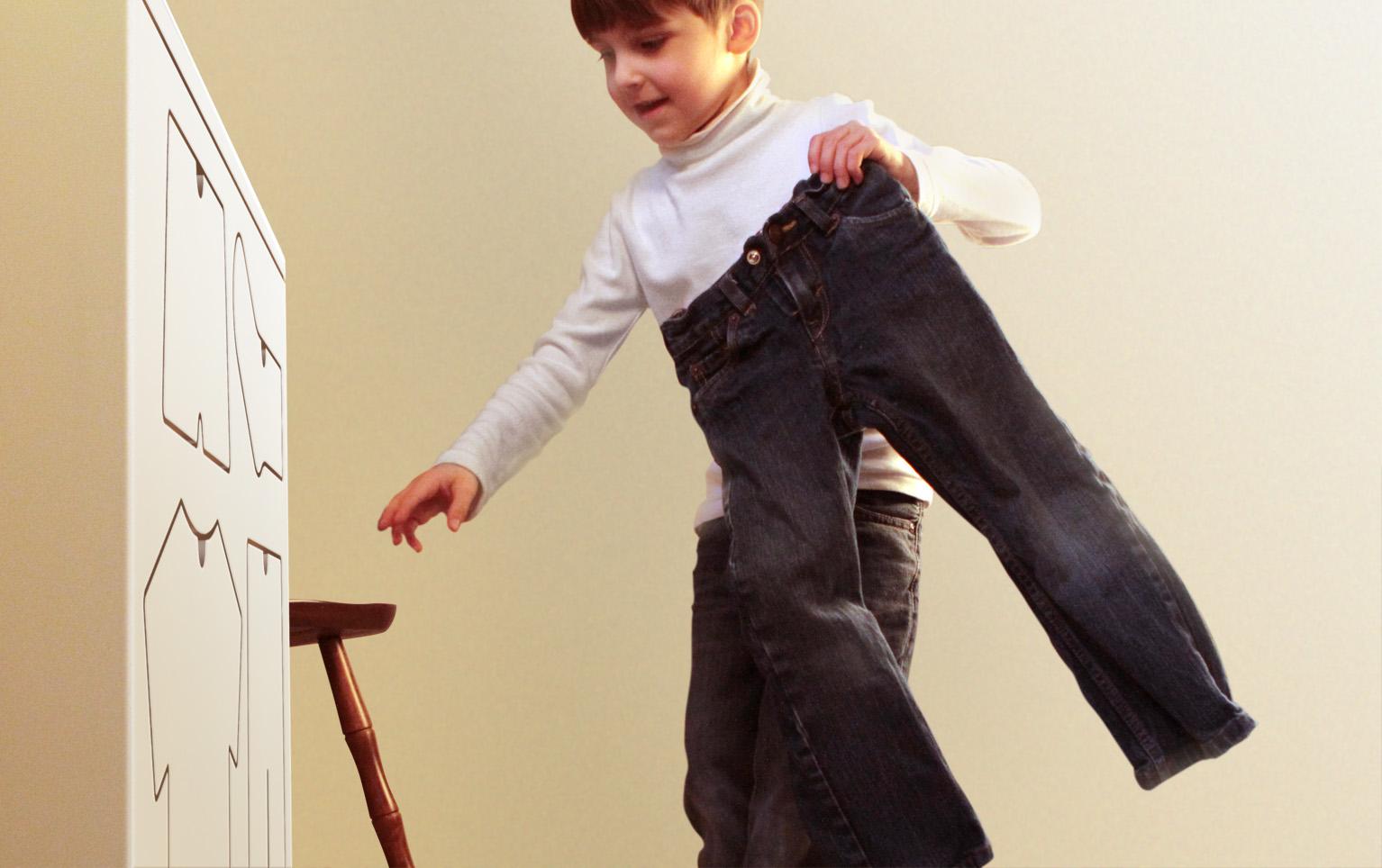 Nice Training Dresser Reach Peter Bristol Design