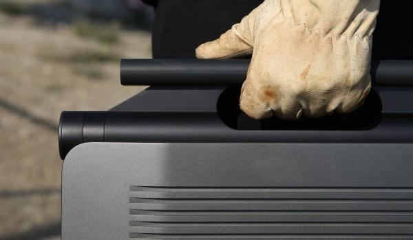 Kymeta-PST-Peter-Bristol-handle-detail